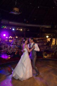 couple mariés soirée mariage, bal mariage, soirée dansante mariage, photographe mariage Ile-de-France, Seine-et-Marne, Val-de-Marne, Haut-de-Seine, Yvelines, Essonne